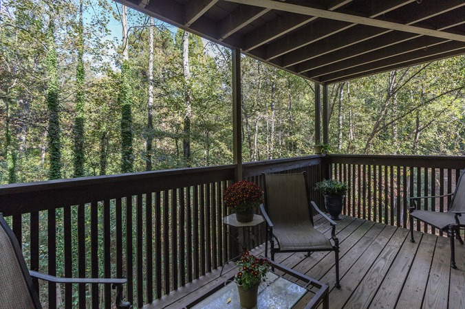 zercher-homes-2140-cumberland-ct-backdeck1