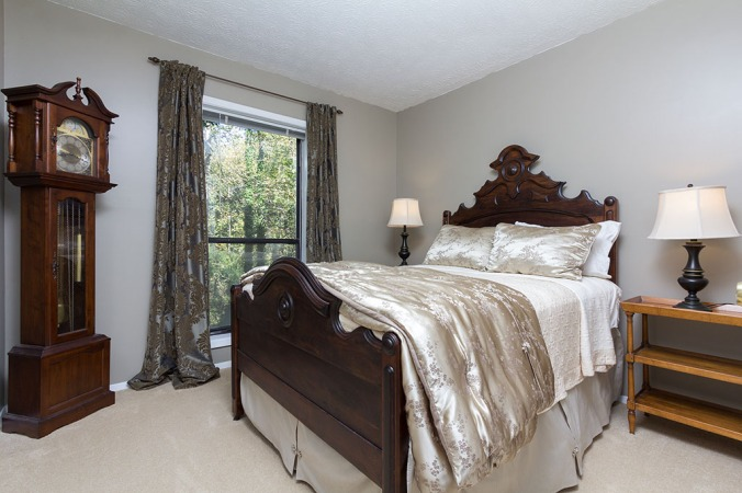 zercher-homes-2140-cumberland-ct-bedroom1